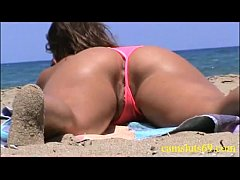 Voyeur at the beach fantastic wet pussy
